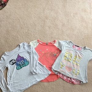 Other - A set of three shirt